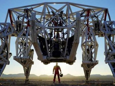 Canadense bate recorde com robô de competição de 1,6 tonelada