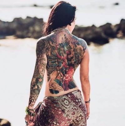Incrível: tatuagens femininas que se confundem com obras de arte