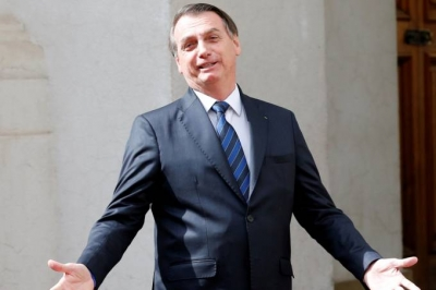 Bolsonaro ri de trecho do Datafolha sobre percepção de sua inteligência