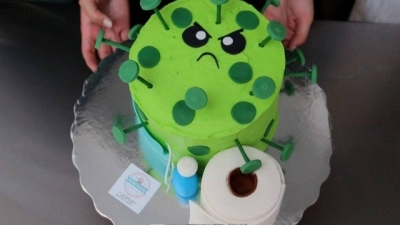Confeiteiras fazem sucesso com bolos inspirados no coronavírus