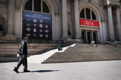 A vida voltando ao normal — MET reabre em NY