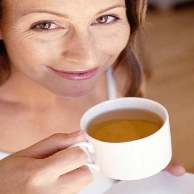 Chá para dor de cabeça: qual tomar e como fazer em casa