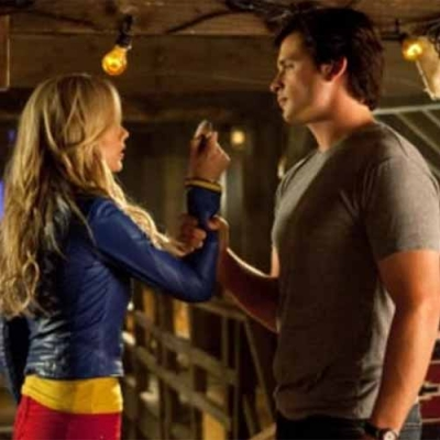 Smallville: Atriz diz que sentiu vontade de queimar roupas de personagem após a