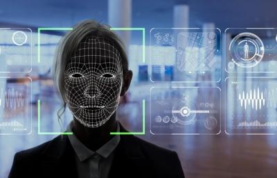 Polícia sueca é multada por uso de sistema de reconhecimento facial