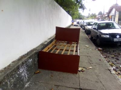 Dormindo na Calçada