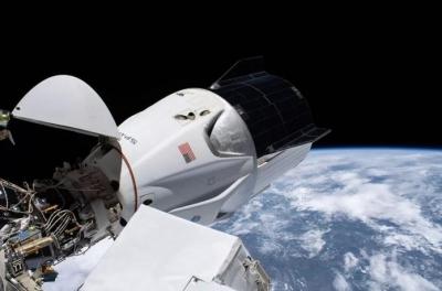 Cápsula Crew Dragon é primeira a pousar no escuro desde Apollo 8