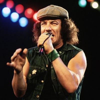 Quem canta mais parecido com Brian Johnson do AC/DC ?
