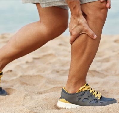 Como aliviar câimbra no pé, barriga e panturrilha