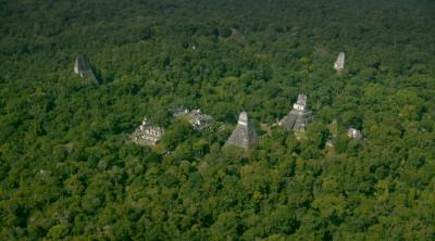 Civilização maia revelada sob a espessa vegetação da selva da Guatemala