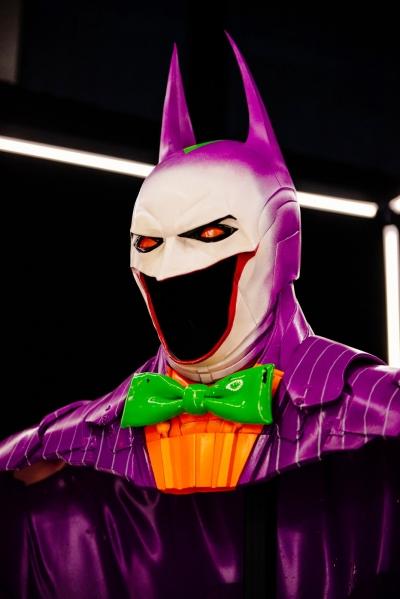 Reimaginando a armadura do Batman de diversas maneiras
