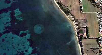 Frota de naves alienigenas submersas fotografada na costa grega