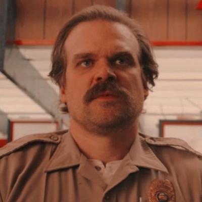 Stranger Things: Ator explica o retorno do personagem Hopper na 4ª temporada
