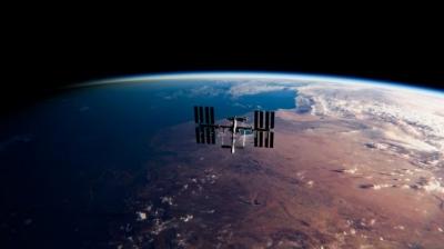 Manobra inédita: Crew-1 faz manobra no espaço para a chegada de nova tripulação