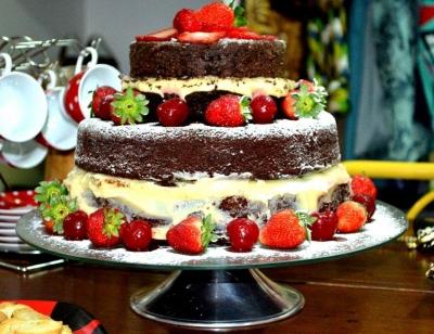 Delícia Sem Vergonha: Naked Cake de Chocolate
