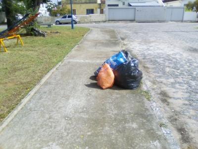 Lixo no logradouro