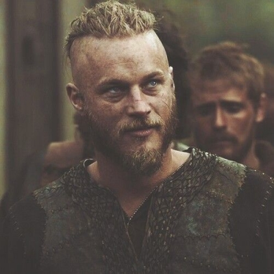 Vikings: 6 filmes estrelados por Travis Fimmel pouco conhecidos pelos fãs