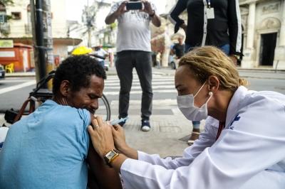 Vacinação contra covid-19 para população de rua