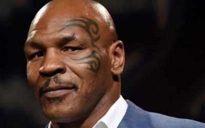 Mike Tyson treina em casa para retorno ao ringue em lutas por caridade