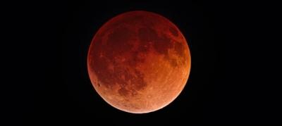 """Calendário astronômico de maio tem """"superlua de sangue"""" e meteoros; confira!"""