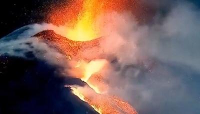 Edgar Cayce previu inversão dos polos causada pelo Cumbre Vieja e pelo o Aso