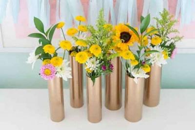 Como fazer vasos com materiais reciclados