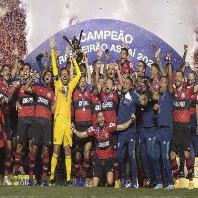 Flamengo é bicampeão brasileiro de futebol 2021