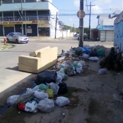 Novo ponto de lixo do Recife