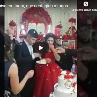 A felicidade do noivo era tanta, que contagiou a todos