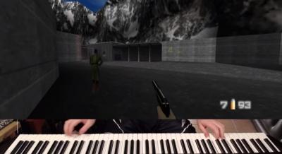 Jogador termina o primeiro nível do clássico Golden Eye... com um piano!