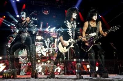Kiss anuncia turnê de despedida após 45 anos de carreira