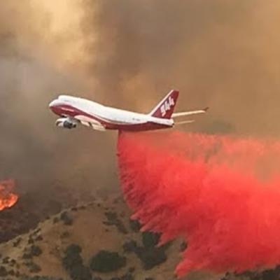 O super avião bombeiro para combater incêndios