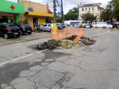Prefeitura precisa agilizar fechamento de buraco