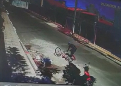 Assaltante desiste de roubar motocicleta após veículo enguiçar
