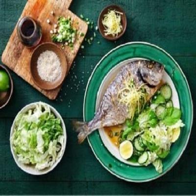Dieta à base de vegetais e peixes pode ajudar a reduzir gravidade de COVID-19, d