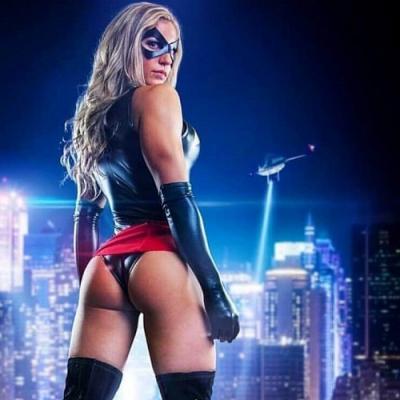 Capitã Marvel em cosplay deixa qualquer um maluquinho